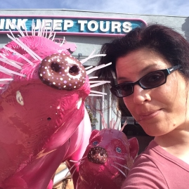Selfies with pink javelinas in uptown Sedona!